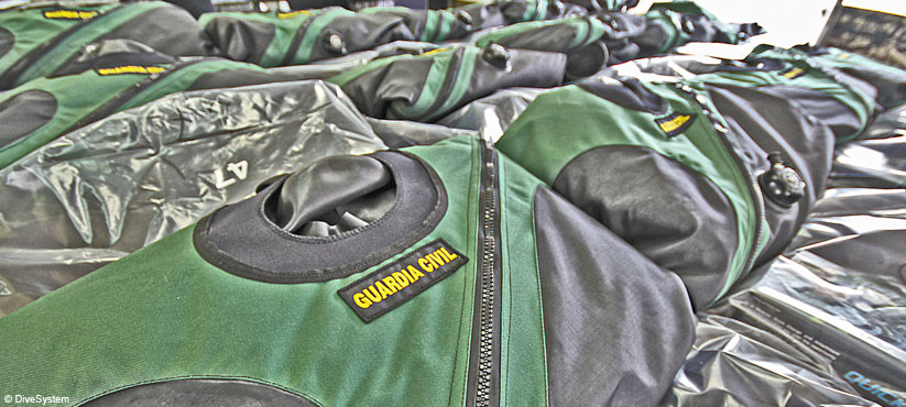DiveSystem for Militaries and Special Forces: Trilaminatre Dry Suits